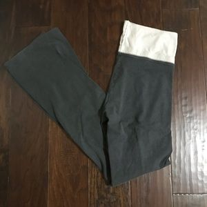 Aerie Slim Gym Flare Yoga Pant Size Small